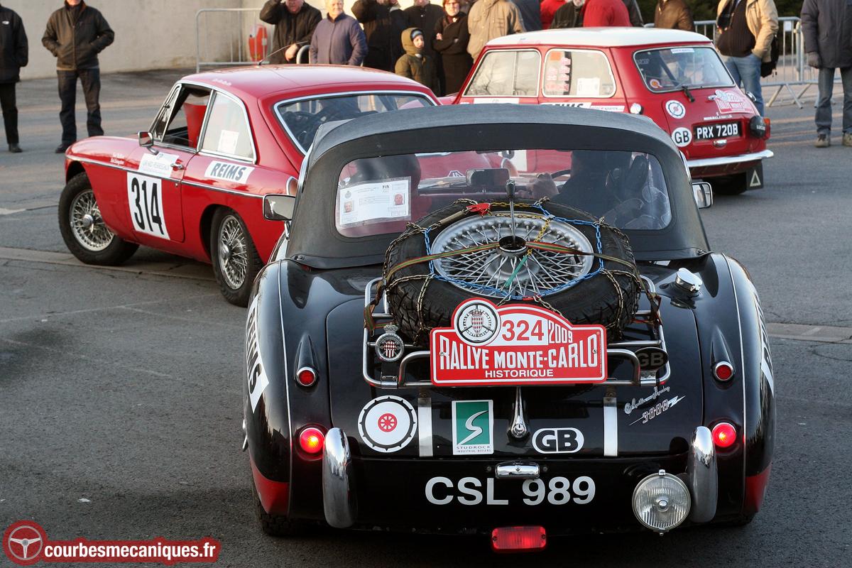 Austin Healey 3000 (1959) & MG B GT (1965)