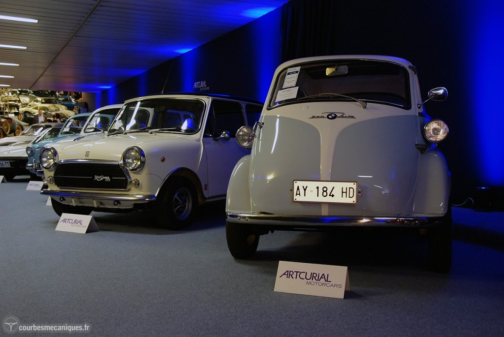 Automobiles sur les Champs 8