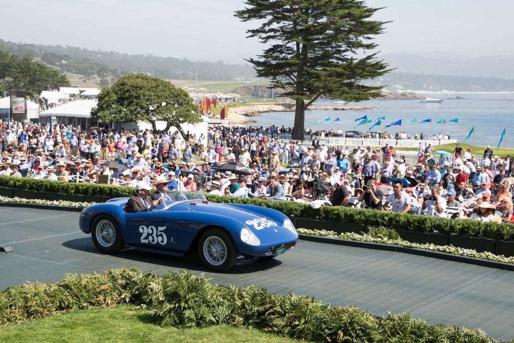 First in Class M-3 Ferraris/ Pebble Beach Road Races : Ferrari 500 Mondial Pinin Farina Spyder Series I 1954 (Thomas R. Peck, Irvine, California)