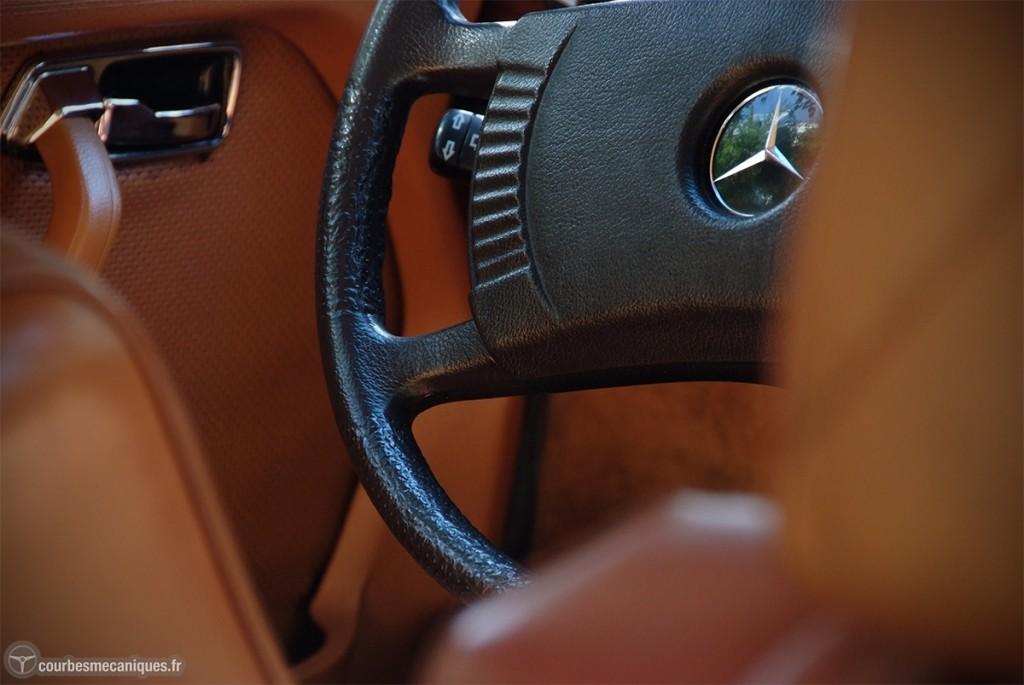 A l'intérieur de la Mercedes-Benz 450 SEL de Claude François